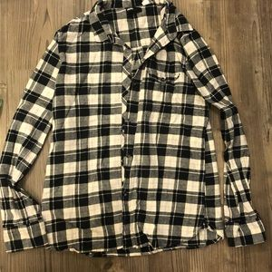 BDG size L boyfriend fit black and white flannel